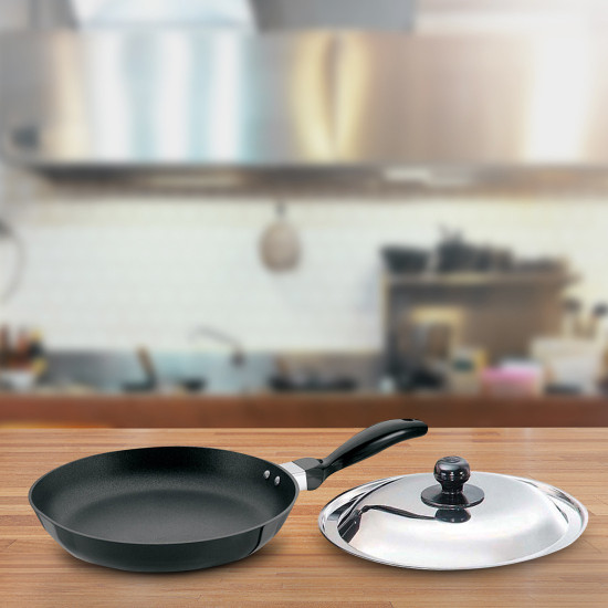 Hawkins Futura Fry Pan with Lid 26 cm (Aluminium, Non-stick, Induction Bottom) Frying Pan